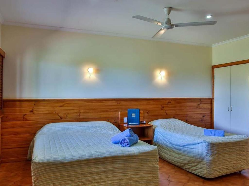 accommodation halls creek, kimberley hotel